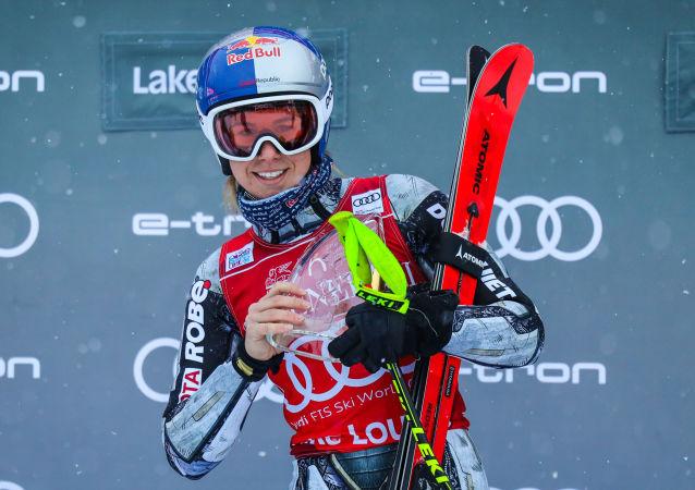 Ester Ledecká po vítězném pátečním sjezdu v Lake Louise v Kanadě