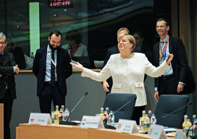 Angela Merkelová během summitu EU, Brusel