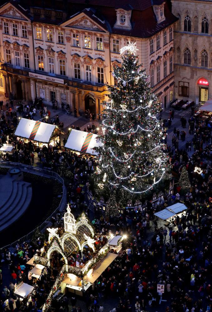Vánoční jarmark na Staroměstském náměstí v Praze