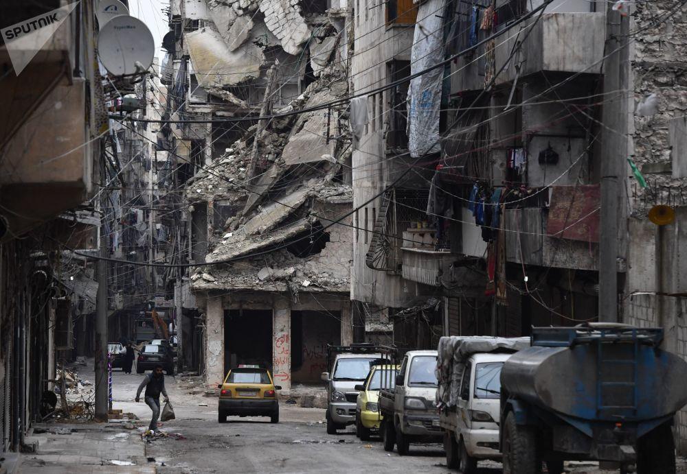 Zničená městská čtvrť syrského Aleppa