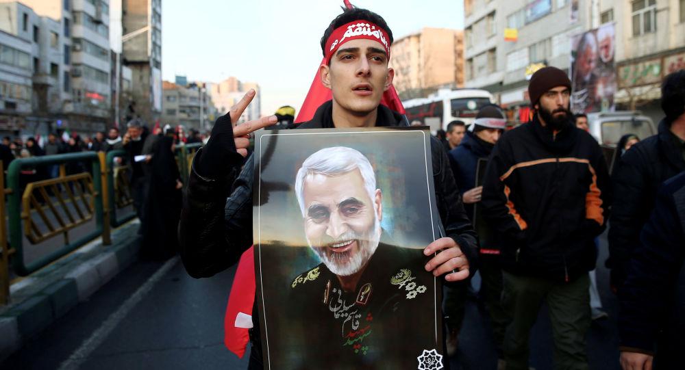 Smuteční průvod generála Kásima Sulejmáního
