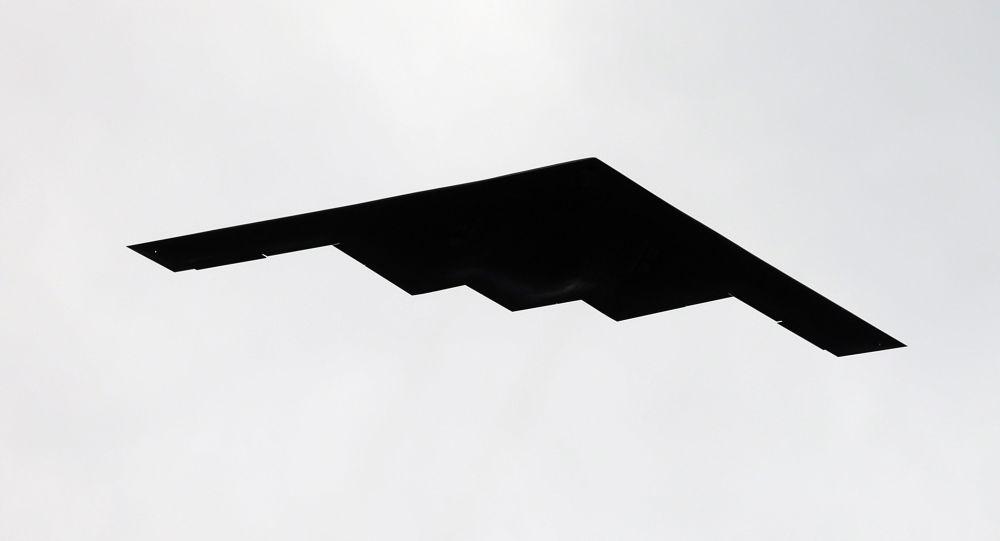 Americký víceúčelový strategický bombardér B-2 Spirit, využívající technologii stealth