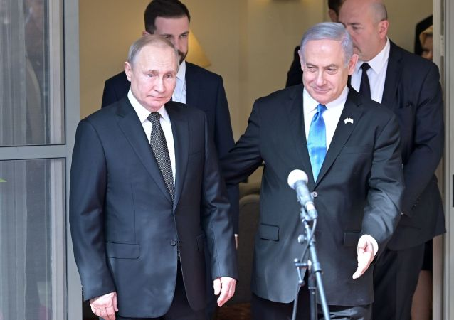 Ruský prezident Vladimir Putin a izraelský premiér Benjamin Netanjahu v Tel Avivu
