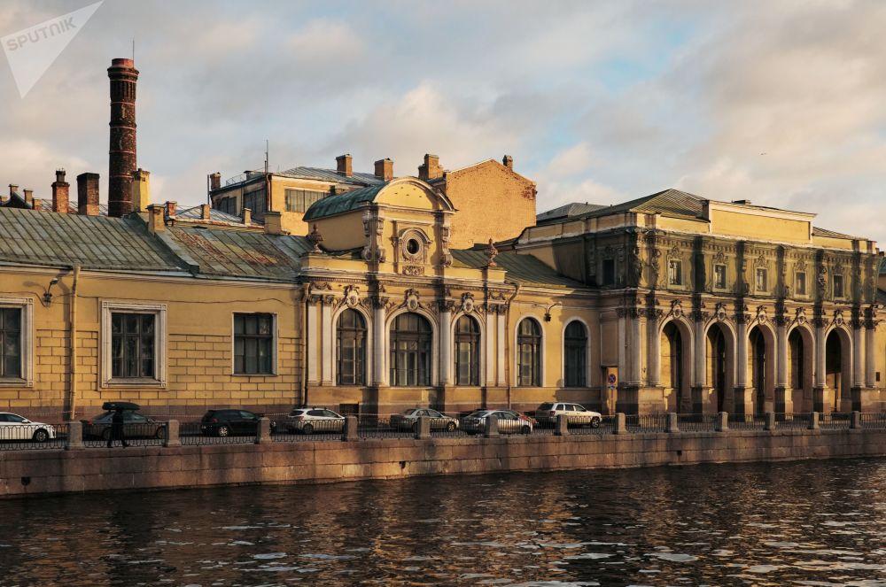 Výhled na budovy ve čtvrti Soljanoj gorodok (Solné městečko)