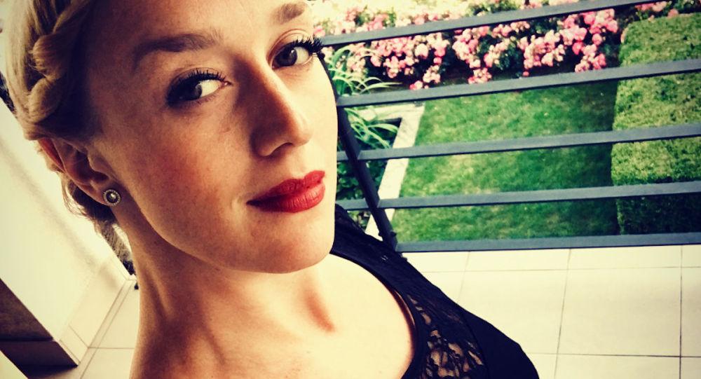 Česká herečka riskuje: I v 6. měsíci těhotenství provádí akrobatické kousky, a to bez jištění