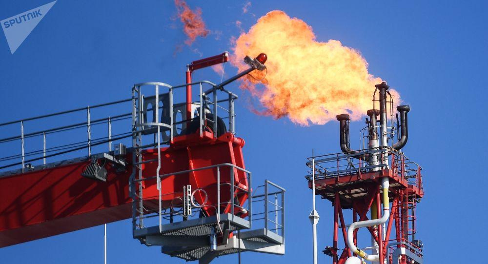 Objevil se návrh communiqué OPEC+ o snížení těžby ropy