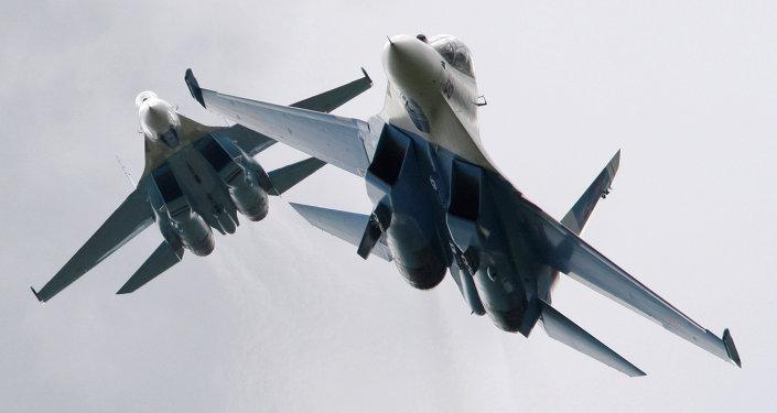 Stíhačky Su-27