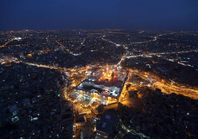 Pohled na noční Bagdád