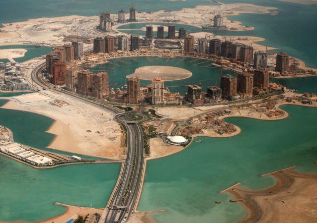 Umělý ostrov Pearl-Qatar v Dauhá (hlavní město Kataru)