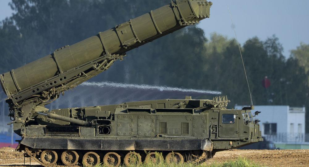 Protiletadlový systém S-300VM Antej-2500