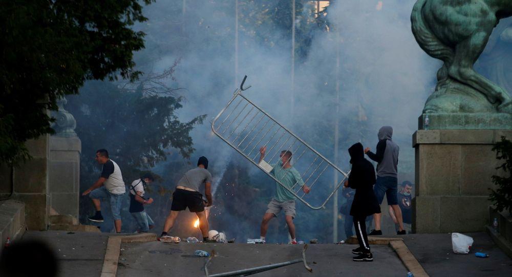 Srbské nepokoje byly označeny za pokus o rozpoutání občanské války