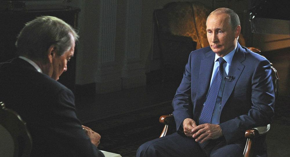 Vladimir Putin během rozhovoru pro CBS