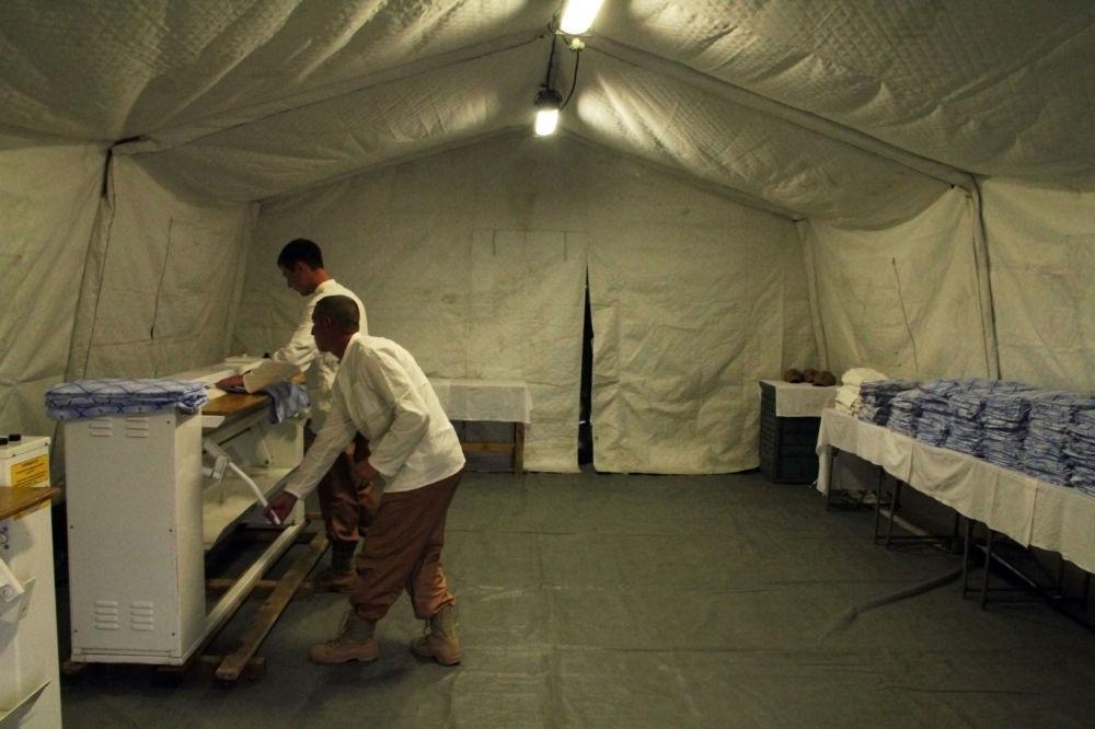 Ruští vojáci na základně Hmeimim v Sýrii