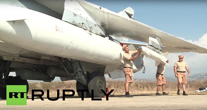 Letečtí technici zkontrolovali Su-34 a Su-24M před odletem