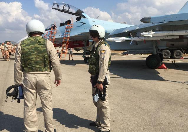 Ruští letci na základně Hmeimim