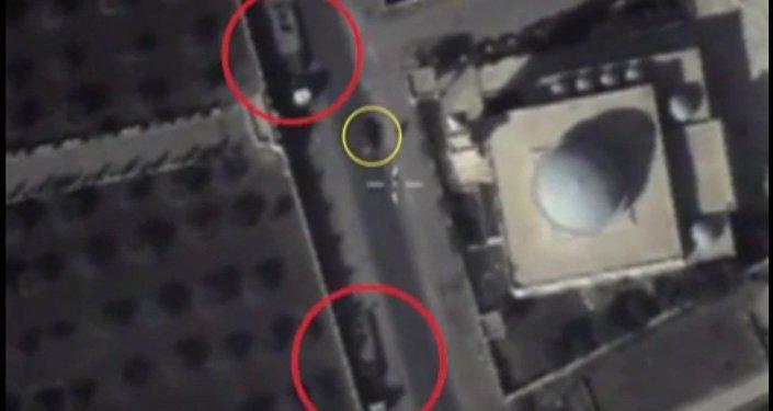 Bojovníci IS v Sýrii stahují zbraně a techniku do obytných čtvrtí