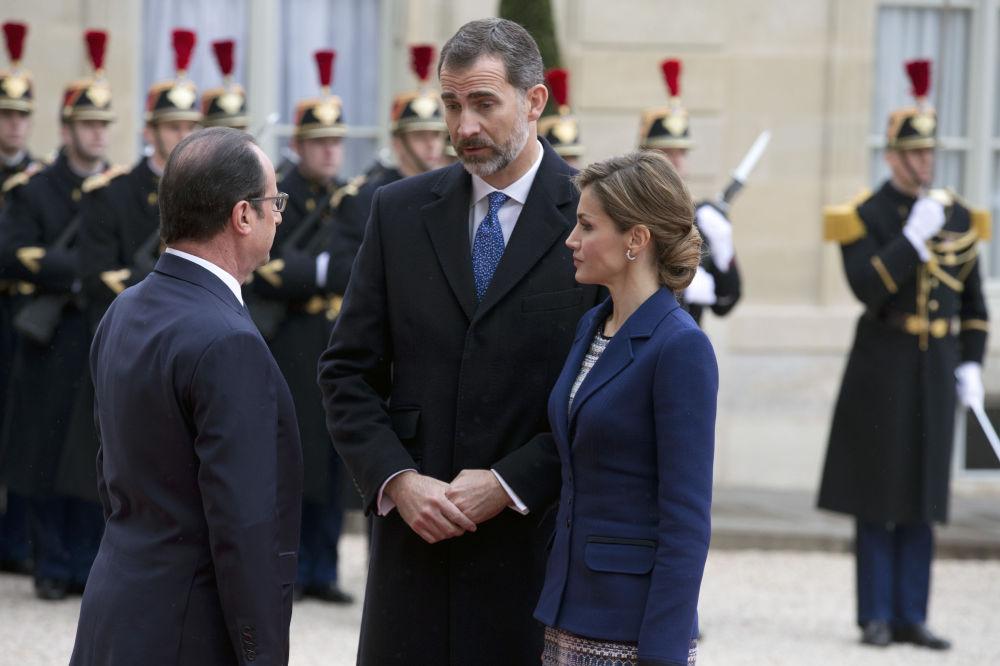 Francouzský prezident Francois Hollande, španělský král Filip VI. a španělská královna Letizia
