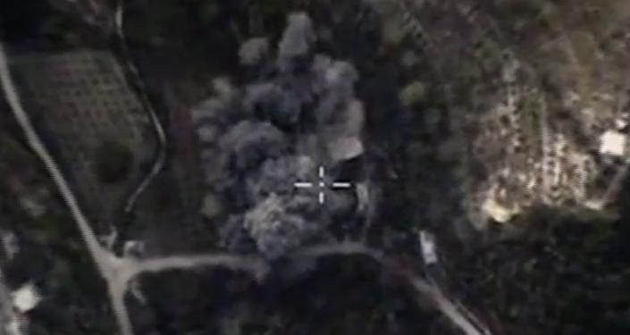 Ruské letectvo útočí na objekty teroristů v provinciích Damašek, Lázikíja a Hamá. VIDEO