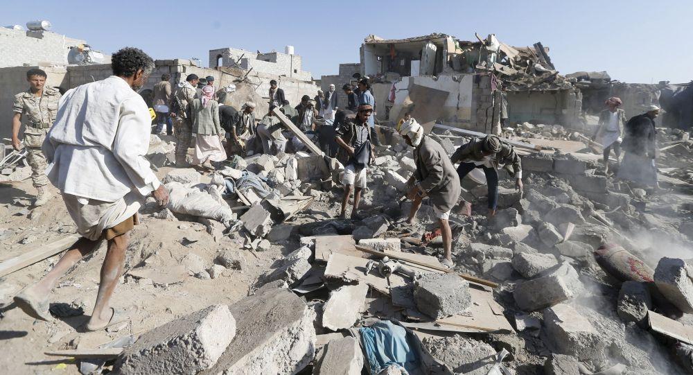 Vzdušné bombardování probíhalo v noci v oblasti Saná