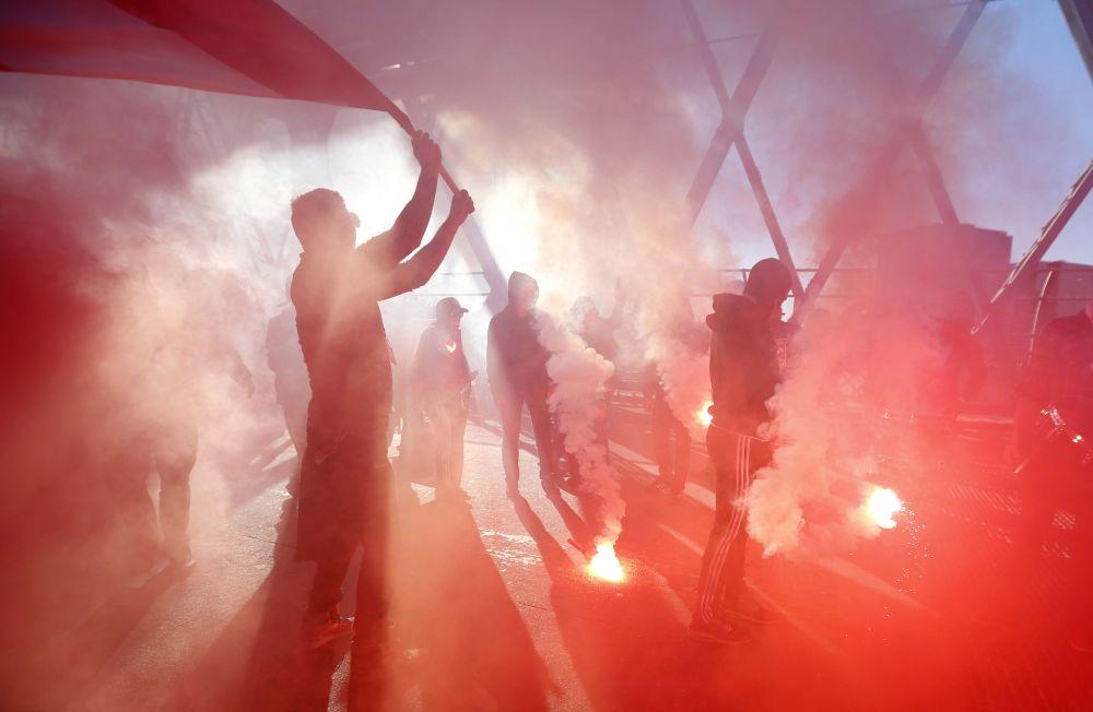 Fanoušci New York Red Bulls před zápasem s DC United