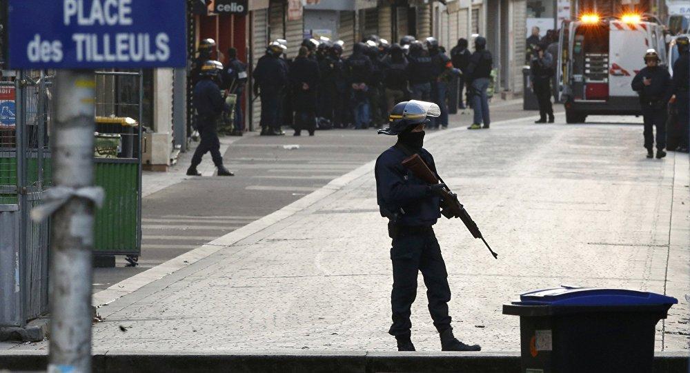 Speciální operace francouzské policie v pařížském předměstí Saint-Denis