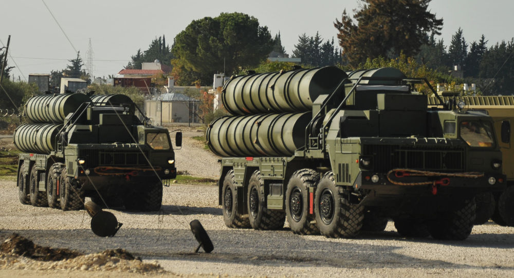 Protiletadlový raketový komplex S-400 na ruské letecké základně Hmeimim v Sýrii už byl uveden do stavu bojové pohotovosti