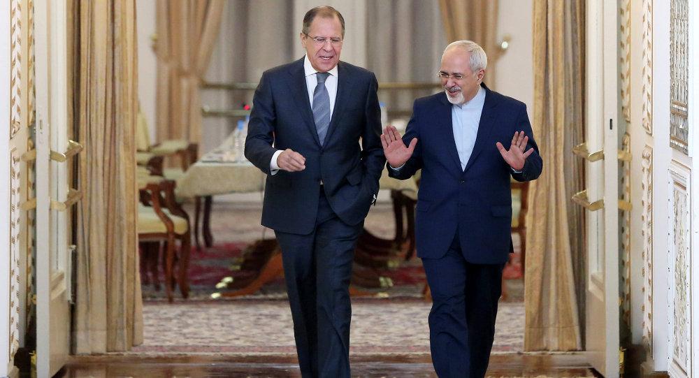 Šéfové diplomacií Ruska a Íránu Sergej Lavrov a Mohammad Džavád Zaríf