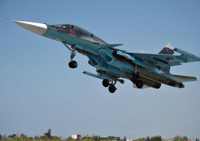 Su-34 má mnohofunkční radiolokační systém s aktivní fázovanou anténní mřížkou s předním výhledem