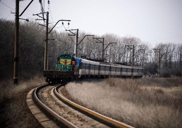 První vlak Jasinovataja – Luhansk