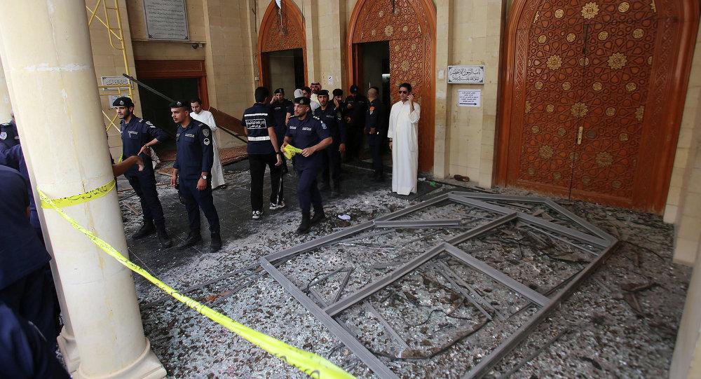 Mešita imáma as-Sádiqa v Kuvajt City po teroristickém útoku