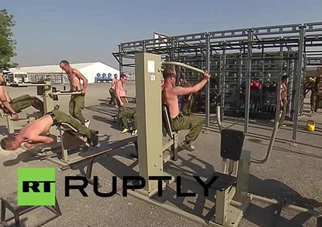 Nová posilovna a jídelna pro ruské vojáky na základně Hmeimim v Sýrii
