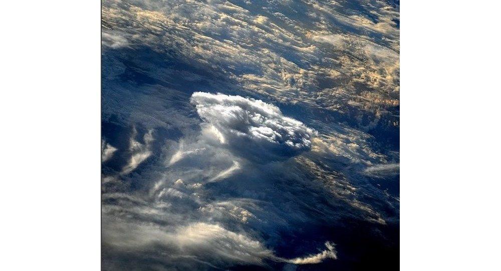 Večerní mraky. Ilustrační foto