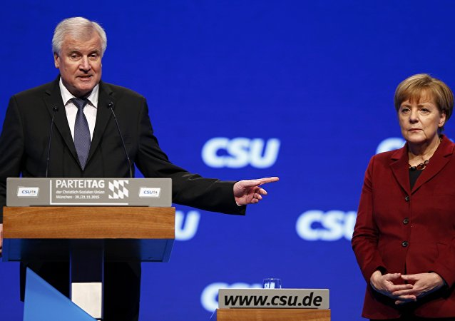 Premiér Bavorska Horst Seehofer a Angela Merkelová