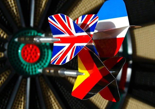 Evropské vlajky, které zobrazeny na šipkách