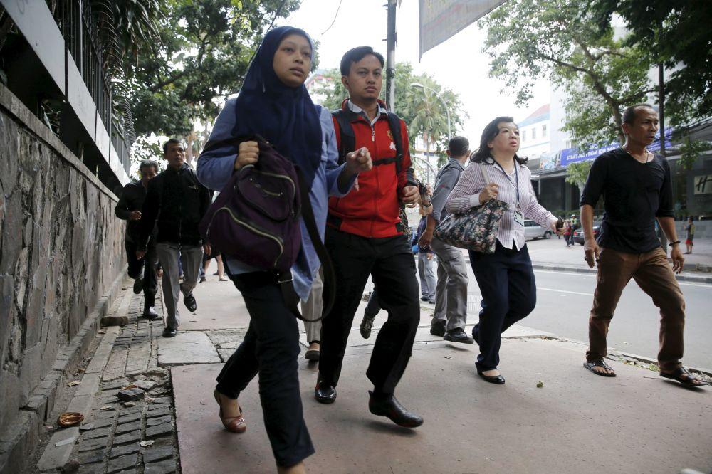 Sérii explozí v centru Jakarty