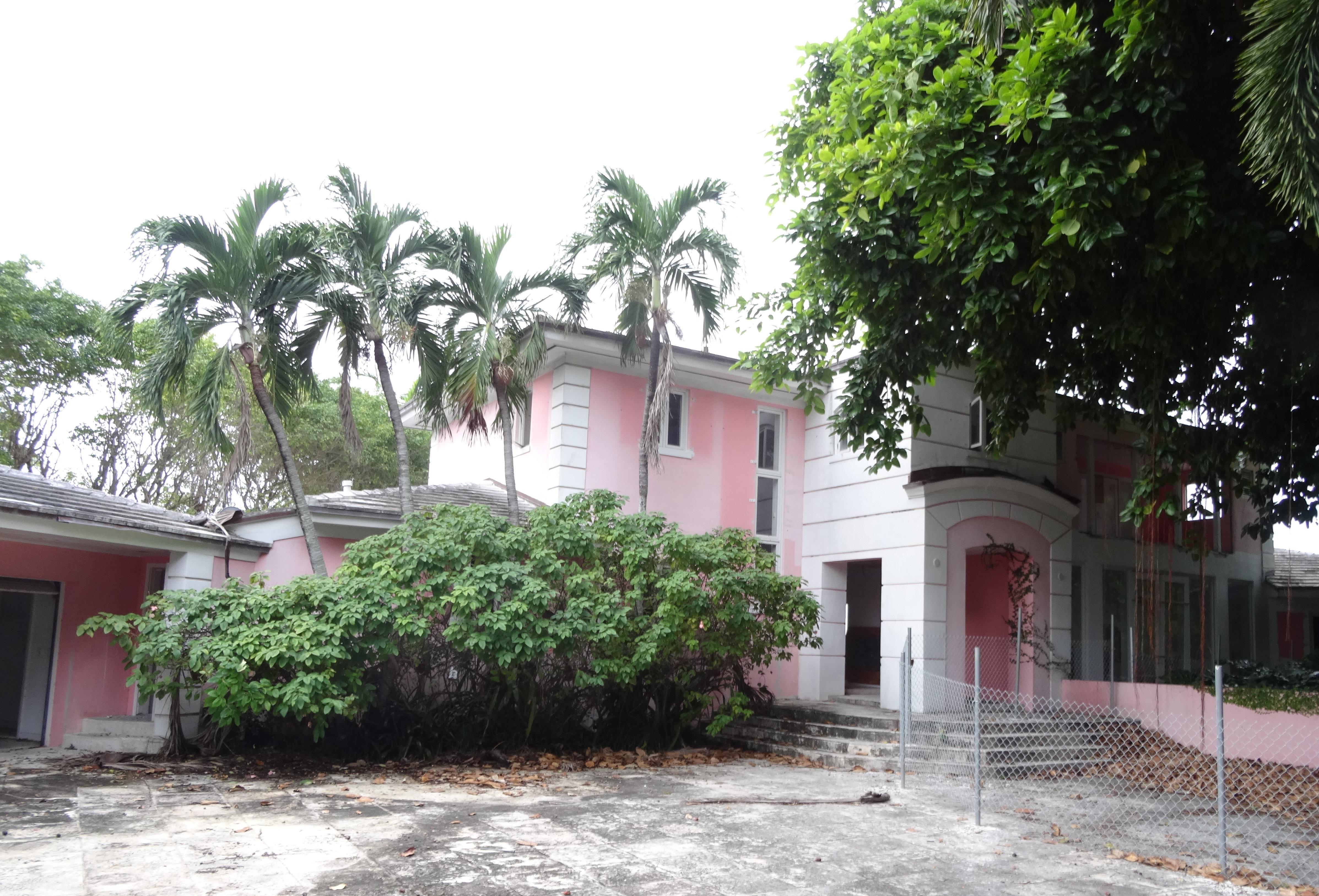 Růžový dům Escobara