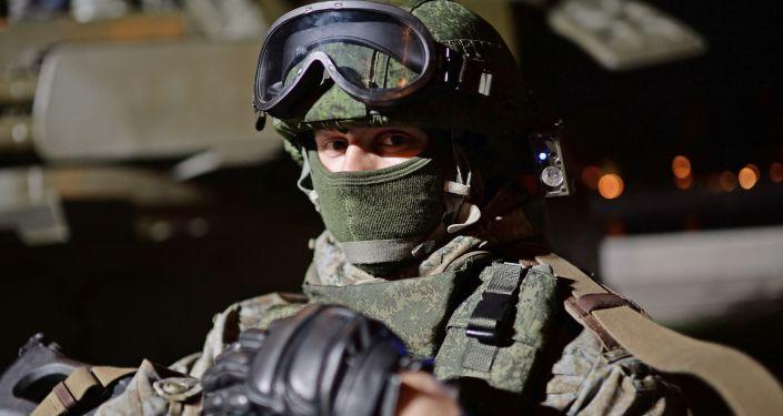 Ruský voják ve výstroji Ratnik