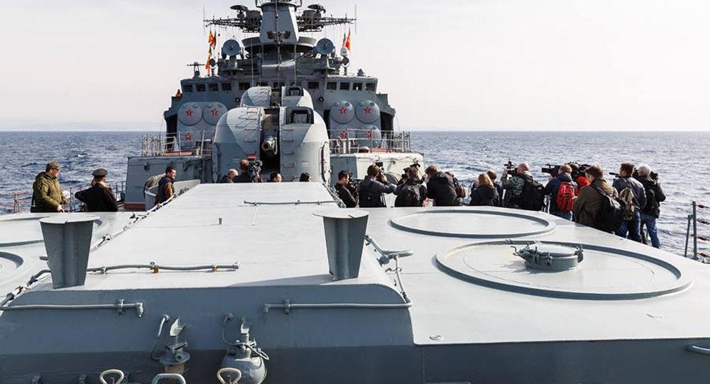 Zahraniční novináři navštívili loď Vojenského námořnictva Ruska v Sýrii