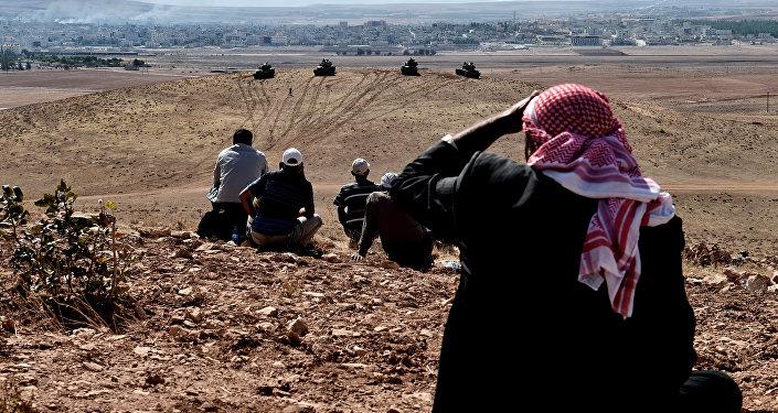 Turecké tanky na syrsko-turecké hranici
