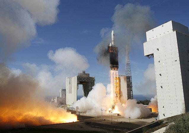 Raketa Delta 4