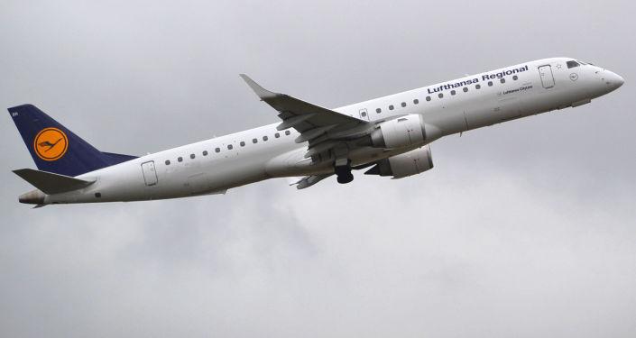 Letadlo Embraer 195 letecké společnosti Lufthansa