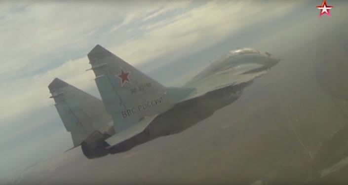 Su-27 a MiG-29 za extrémních povětrnostních podmínek