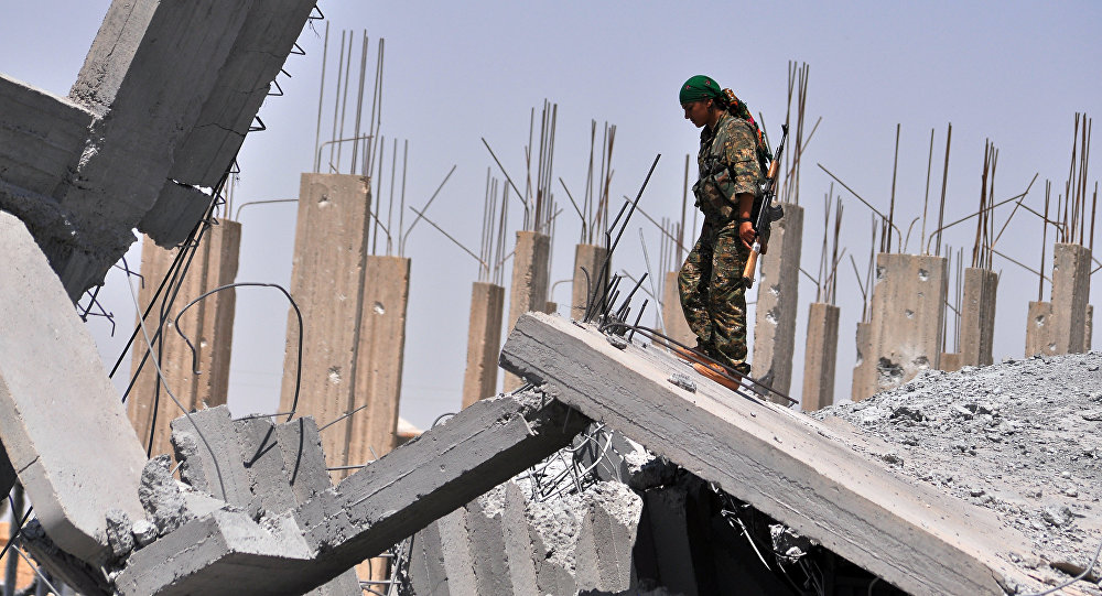 Příslušnice Lidové obranné jednotky (YPG)
