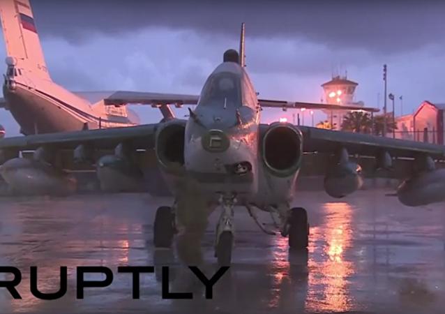 Sýrie: ruské letouny nadále opouštějí leteckou základu Hmeimim poté, co byl vydán rozkaz k odsunu