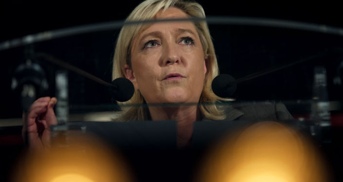 Předsedkyně Národní fronty a poslankyně Evropského parlamentu Marine Le Penová.