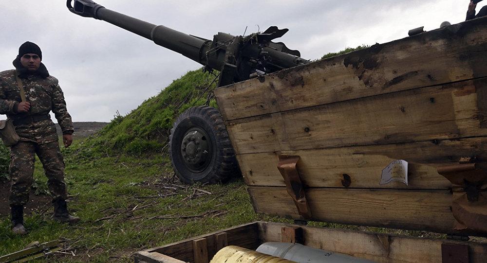 Jerevan oznámil, že Baku použilo proti Karabachu systémy Smerč