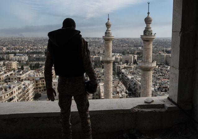 Syrský voják v Aleppu