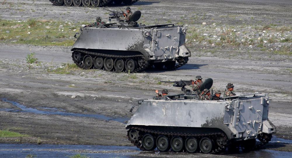Americká a filipínská vojska během cvičení na Filipínách