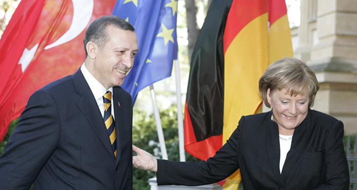 Tayyip Erdogan a Angela Merkelová