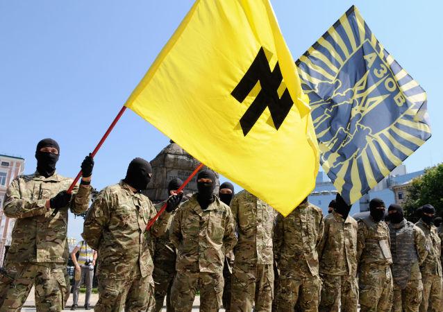 Příslušníci praporu Azov v Kyjevě